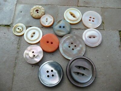12 boutons anciens   nacre