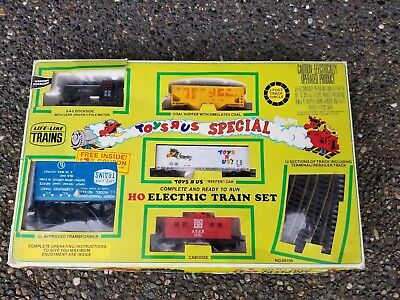 Vintage Life Like HO Scale TOYS R US EXPRESS TRAIN RARE COLLECTOR