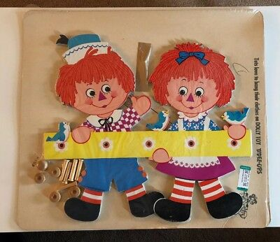 Vintage Raggedy Ann And Andy Dolly Toy Tide-Ups Hanging Wall Rack