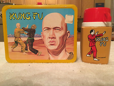 """1974 KING SEELEY THERMOS """"KUNG FU"""" METAL LUNCHBOX & THERMOS - VINTAGE RARE w/TAG"""
