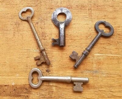 Antique Steel Keys - Lot Of 4 Vintage Skeleton And Barrel Keys