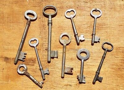 ANTIQUE STEEL KEYS - LOT OF 9 VINTAGE SKELETON SOLID BARREL KEYS - Unique