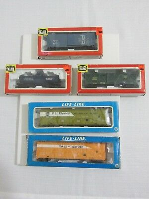 Vintage LIFE-LINE TRAINS HO lot of 5  fright cars with boxes pre-owned