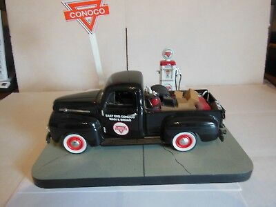 Crown Premiums Conoco 1952 Ford F-1 Service Truck Diecast Truck Bank & Base