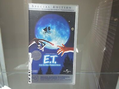 ET The Extra Terrestrial Special Edition Movie VHS 2002