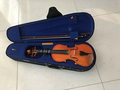 STENTOR Student I 1/2 Size Violin Outfit With Lightweight Case & Bow