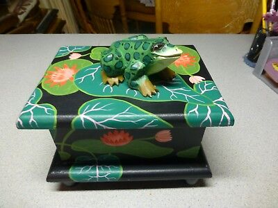 Wooden FrogTrinket Box, Hand Crafted and Painted, Nice