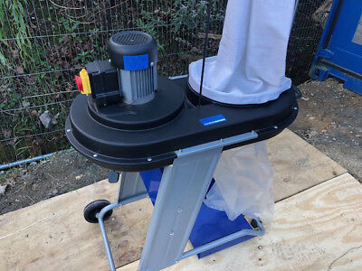 dust extractor for wood and chippings used 240v