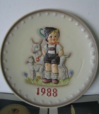 Goebel Hummel Annual Plate 1988 - Little Goat Herder - Mint Condition in box