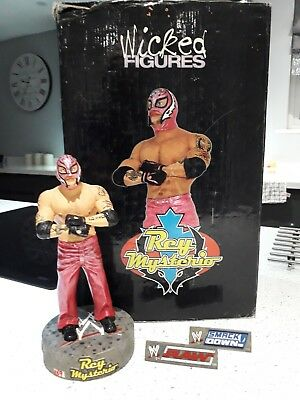 Rare Wicked Figures REY MYSTERIO Die Cast Resin Figure WWE Wrestler Boxed