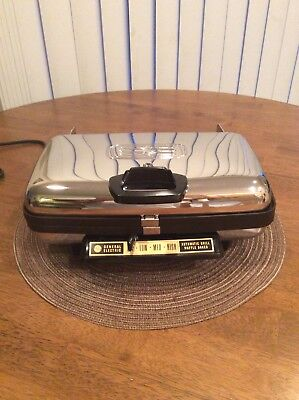 Vintage GE Automatic Grill and Waffle Baker - MINT CONDITION !!! (model A6G44T)