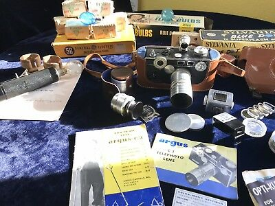 Argus C-3  Telephoto Lens and Viewfinder Camera With Flash (with Flash Bulbs!!)