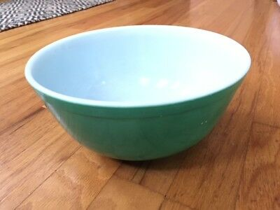 Vintage GREEN Pyrex Nesting Mixing BOWL 2 1/2 Quart Qt 403 Primary Color