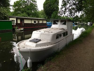 Norman 23 grp fibreglass canal boat river cruiser with Mercury 6 hp outboard