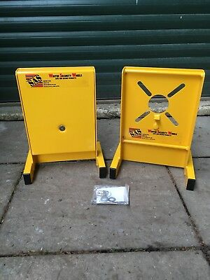 SAS Caravan and trailer winter security wheel clamps