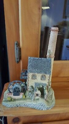 """David Winter Cottages West Country """"Cornish Engine House"""" Figure / Sculpture"""