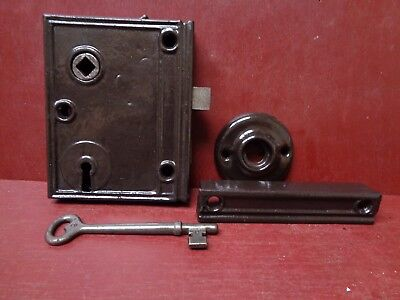 Antique Cast Iron Rim Lock With Working Skeleton Key Reversible #08