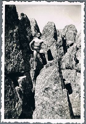 #72 Beefcake shirtless young muscle man hiker gay interest vintage photo 1960's