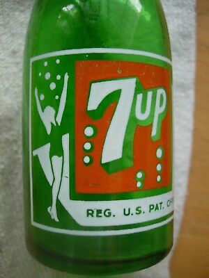 Vintage 5 3/4 inch 7up 7 up 8 bubble Salt Shaker Nice Condition/Rare