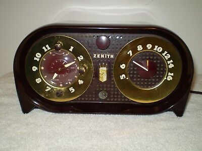 Vintage Zenith working  AM tube radio, chassis 5G03