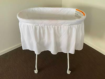 4Baby Charli Bassinet / Mobile Baby Cot - White