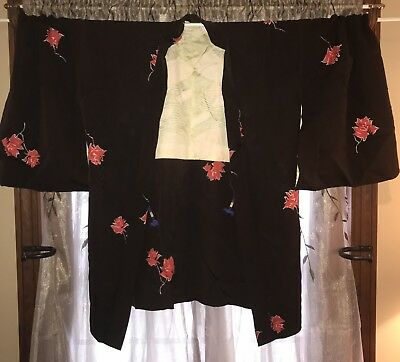 Vintage Haori Kimono Jacket ~ Black With beautuful Red Flowers