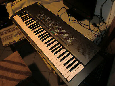 Vintage Yamaha Porta Tone PSR-19 Electronic Keyboard mit Power Adapter, Rarität!