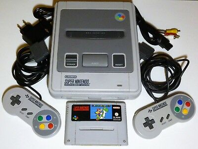 Snes / Super Nintendo / 2 Orginal Controller / Neue Kabel / Super Mario World