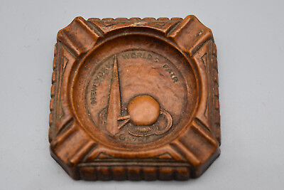 Vintage New York 1939 Worlds Fair Wood Ashtray by Syroco Wood, Not used