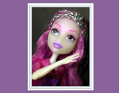 Monster High Ari Hauntington Dance The Fright Away Singing Doll w Outfit & Shoes