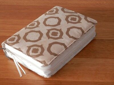 New World Translation 2013 Zipped Fabric Bible Cover  - Cream & Gold