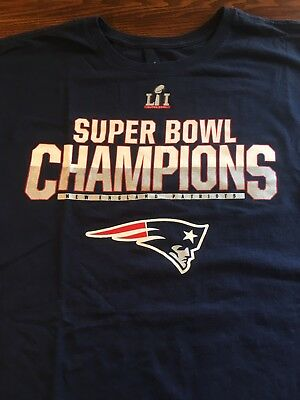 New England Patriots Nike Large Mens Super Bowl L I Champions Tom Brady  Shirt 7bf0308e6