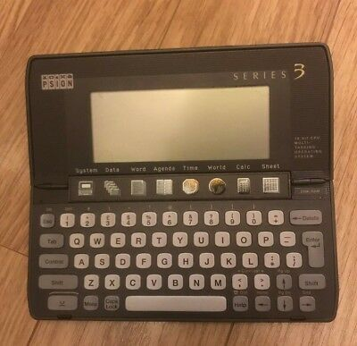 Retro 1991 Psion Series 3 Handheld Computer PDA with Case, Manual & Games Zap