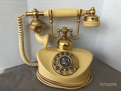 Old Collectible French Rotary Duchess Telephone 8-71 With Serial No. 32681 Japan