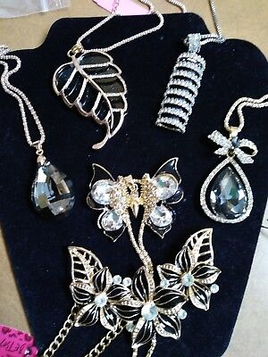 6-pc lot Betsey johnson Blk, Silver n Gold necklaces