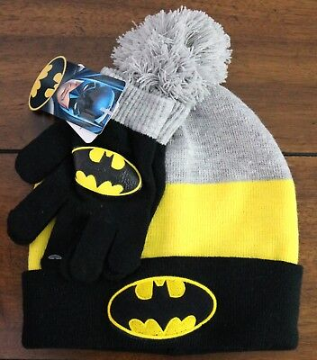 a4e8e9fef BATMAN KID'S BEANIE Cuffed Pom Knit Hat and Gloves 2 Pc-Set Boys One-Size