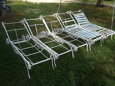 5 Wrought Iron?  White Metal Lawn Lounge Chairs for Restoration