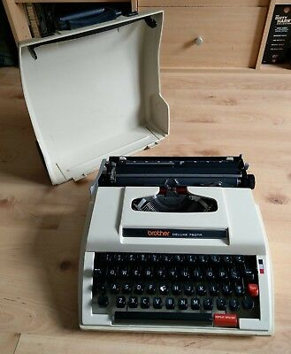 Brother Deluxe 750Tr Nagoya Original Typewriter, Portable. vintage collectable.