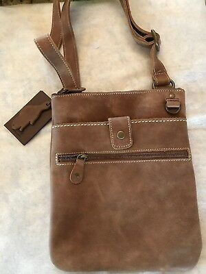 a7d1ac69afd1 Roots Canada Brown Leather Small Venetian Tribe Messenger Bag Shoulder Purse