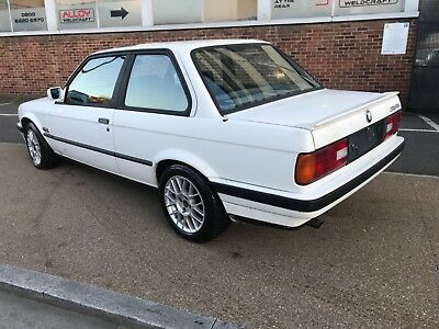 Bmw E30 318is 1990 2dr Alpine White Project Spares Or Repair Sold Sold