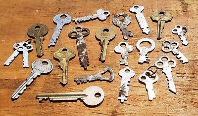 21 Vintage FLAT KEY Lot - Yale Eagle ILCO Slaymaker Lock Co. Keys Steel & Brass