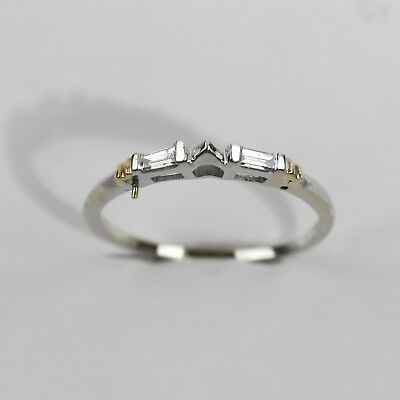 SLEEK 14k WHITE GOLD 1/8CT BAGUETTE DIAMOND ACCENT POINTED STACKABLE RING size 9