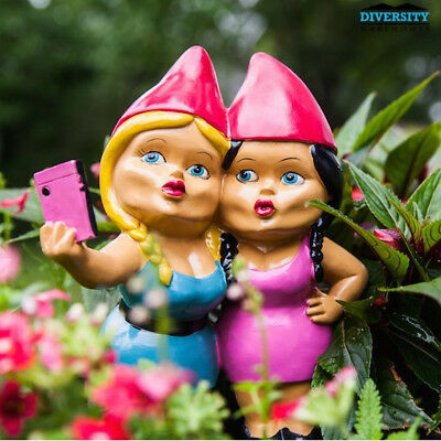 BigMouth:The Selfie Sisters Gnome
