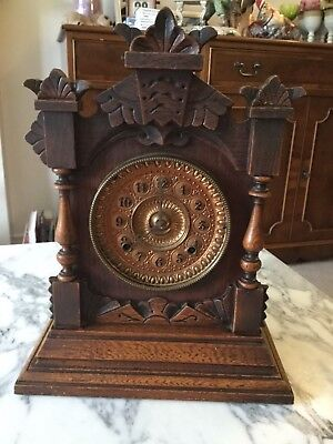 Large Vintage Oak Mantle Clock