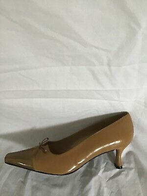 4bb26df55ea Stuart Weitzman 9 Womens Kitten Heel Pumps Brown Leather Pointed Toe Euc  6W29038