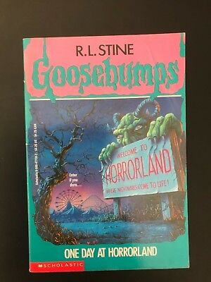 R. L. Stine - Goosebumps - One Day At Horrorland #16 - PB/AC - Free Post