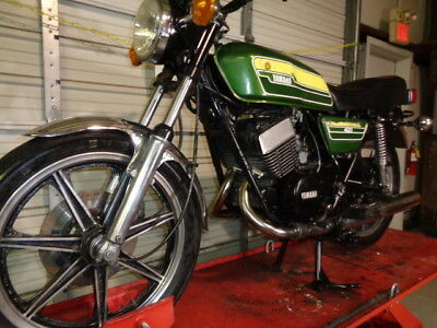 1978 Yamaha RD400  1978 YAMAHA RD400   RUNS GREAT!!!!  WITH TITLE!!!! TRUE SURVIVER !!! WOW!!