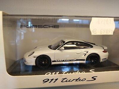 Miniature 1/43 Minichamps Porsche 911 carrera 4s type 997 turbo s blanc