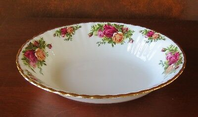 """Royal Albert Old Country Roses Gold Trim 9"""" Oval Vegetable Serving Bowl"""