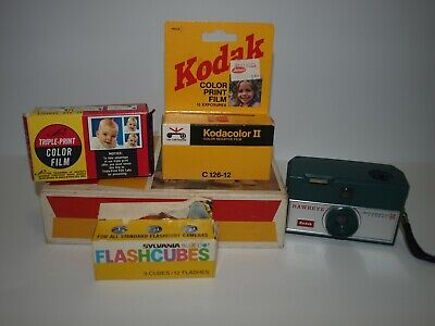 Kodak Instamatic R4 Camera, Film and 3 pack Sylvania BlueDot flash cubes